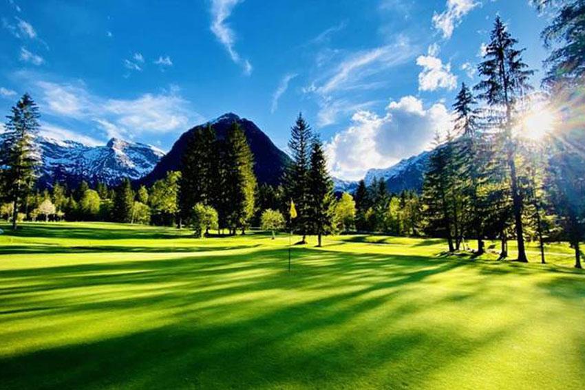 Sonnenaufgang im Golfclub Achensee in Pertisau, einer der schönsten Golfplätze Österreichs